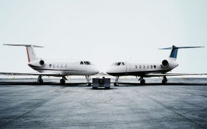 Two-planes-close. Dassault Falcon